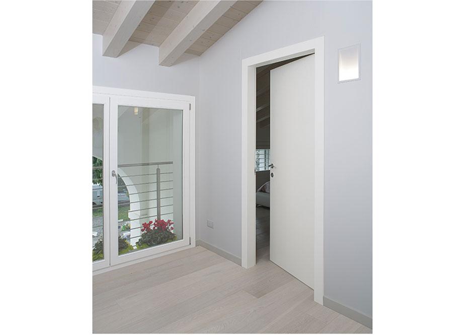Porta in legno laccata puntoci - Porta insonorizzata ...